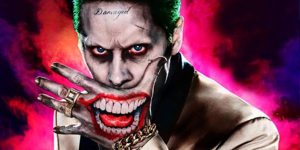 Jared-Leto-Joker-Smiling-Hand-600x300